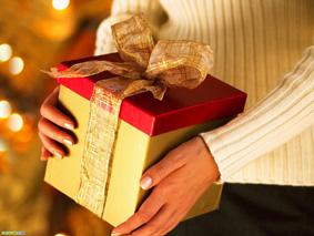 Как выбрать подарок для коллеги?